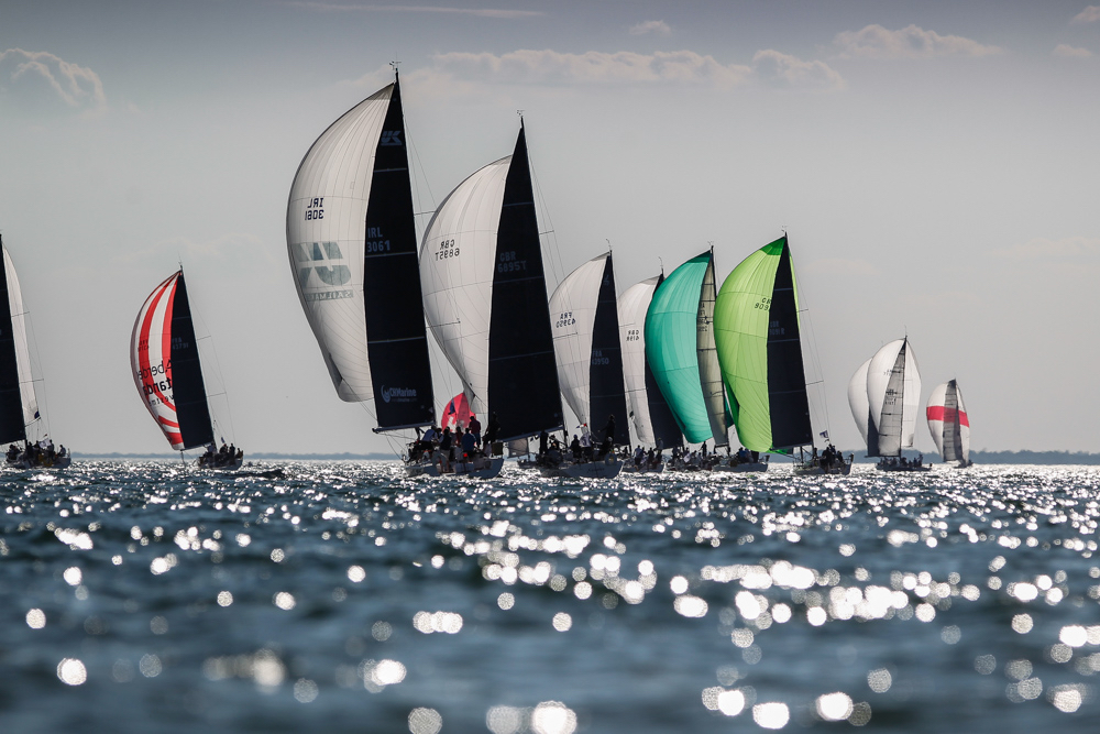 Sparkling conditions for the second day of racing © Paul Wyeth/pwpictures.com