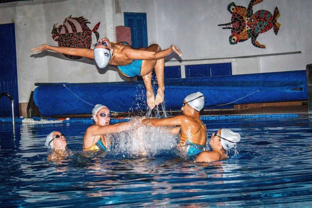 The Pingüinos synchronized swimming team display was a surprise for crews at the RORC Transatlantic Race welcome reception © RORC/Pilar Hernandez/Calero Marinas