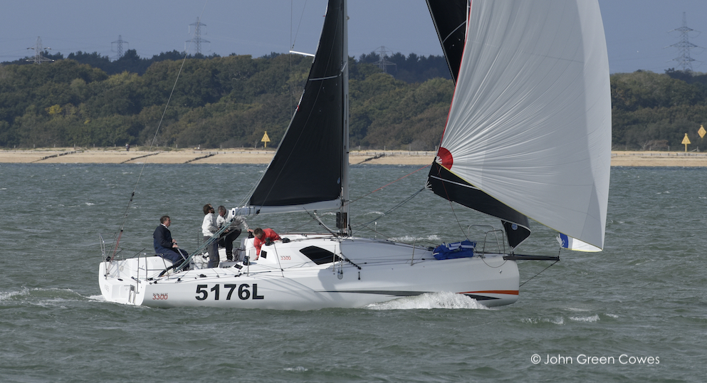 Kelvin Rawlings' Sun Fast 3300 Aries training in The Solent © John Green Cowes